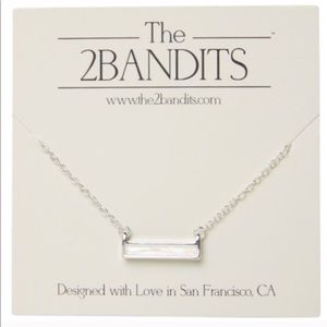 🌿2/$15🌿 The 2 Bandits Necklace NWT